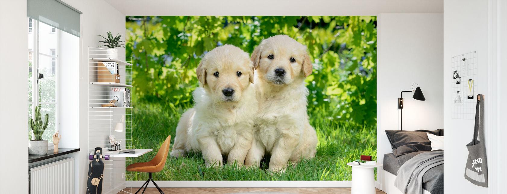 Kaksi koiraa puutarhassa - Tapetti - Lastenhuone