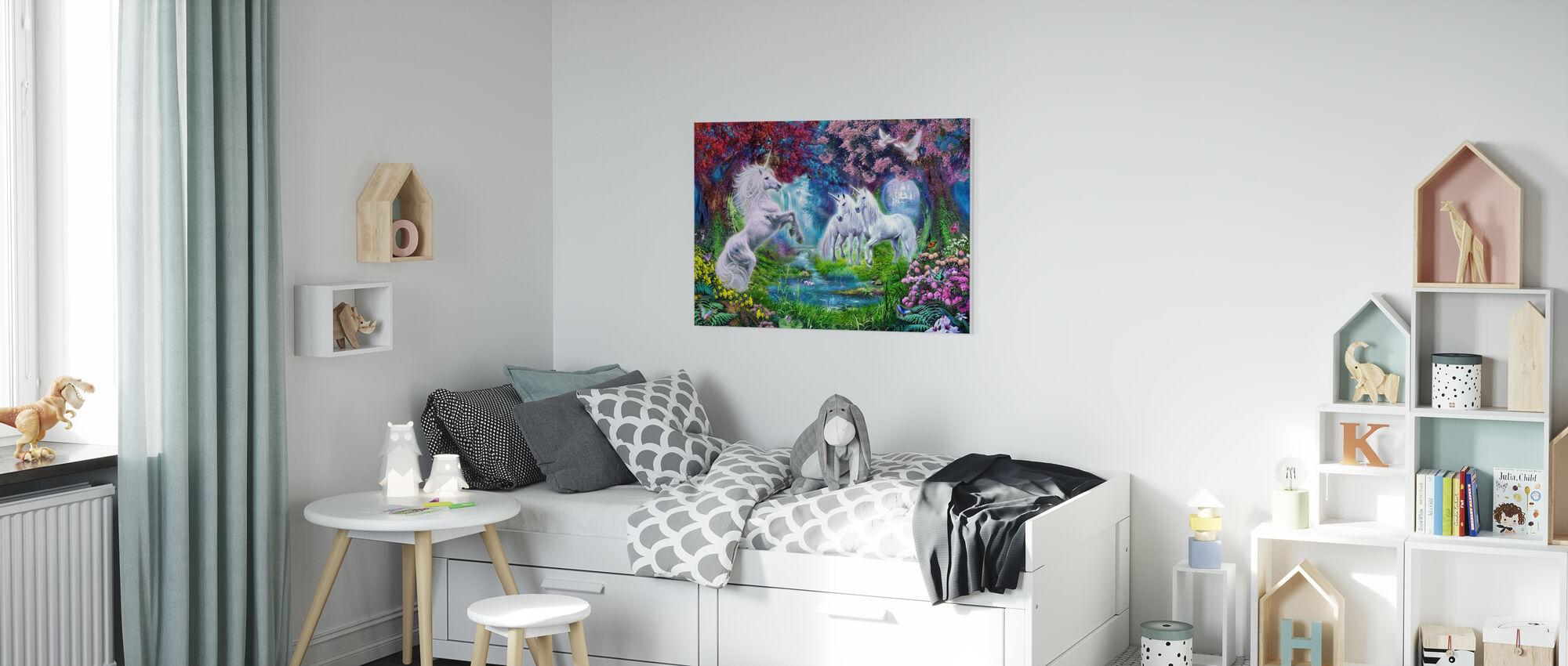 Enhörningen Rendezvous - Canvastavla - Barnrum