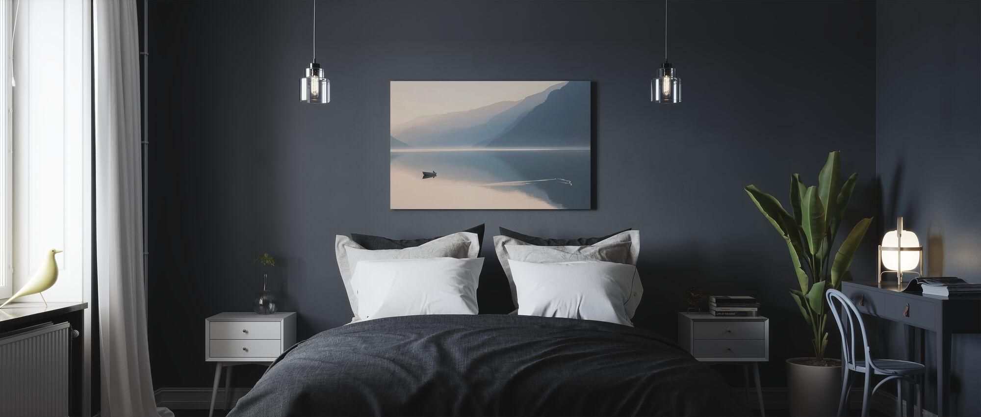 Vielä ilta - Canvastaulu - Makuuhuone