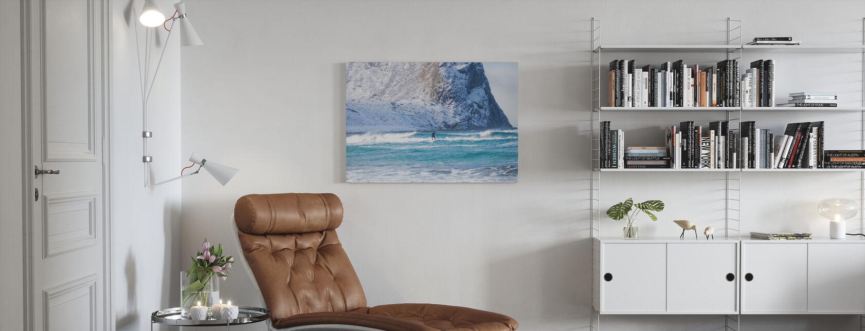Surfing Lofoten om vinteren - Lerretsbilde - Stue
