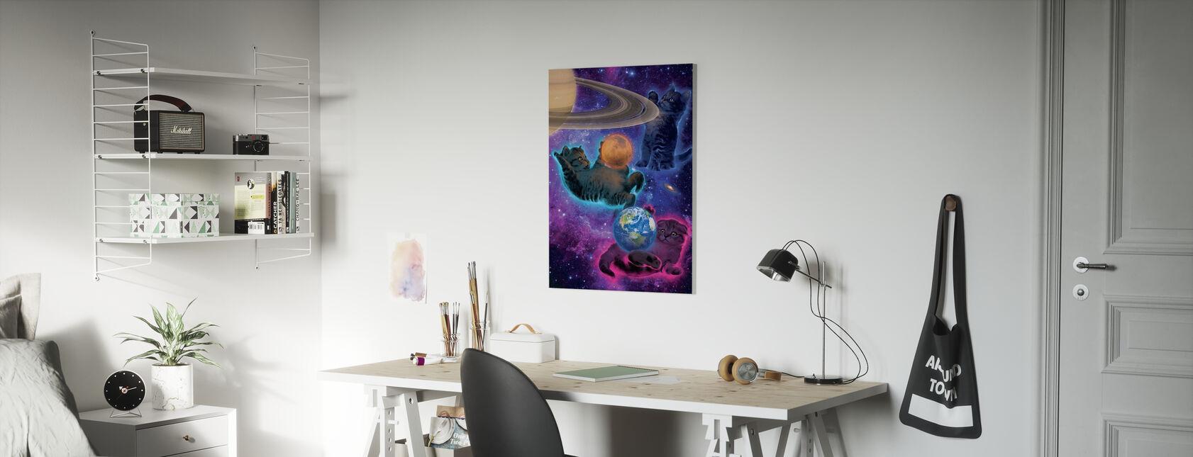 Kosmiset pennut - Canvastaulu - Lastenhuone