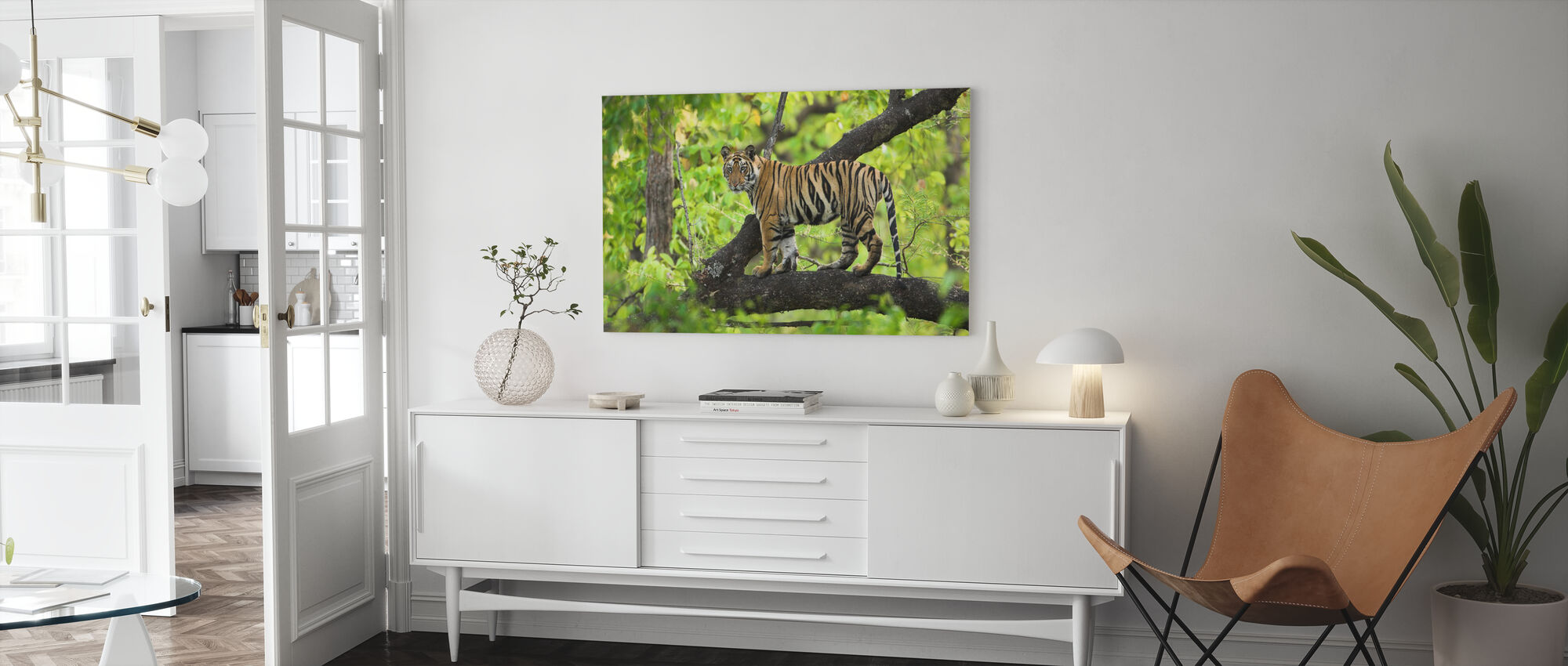 Cub in Boom - Canvas print - Woonkamer