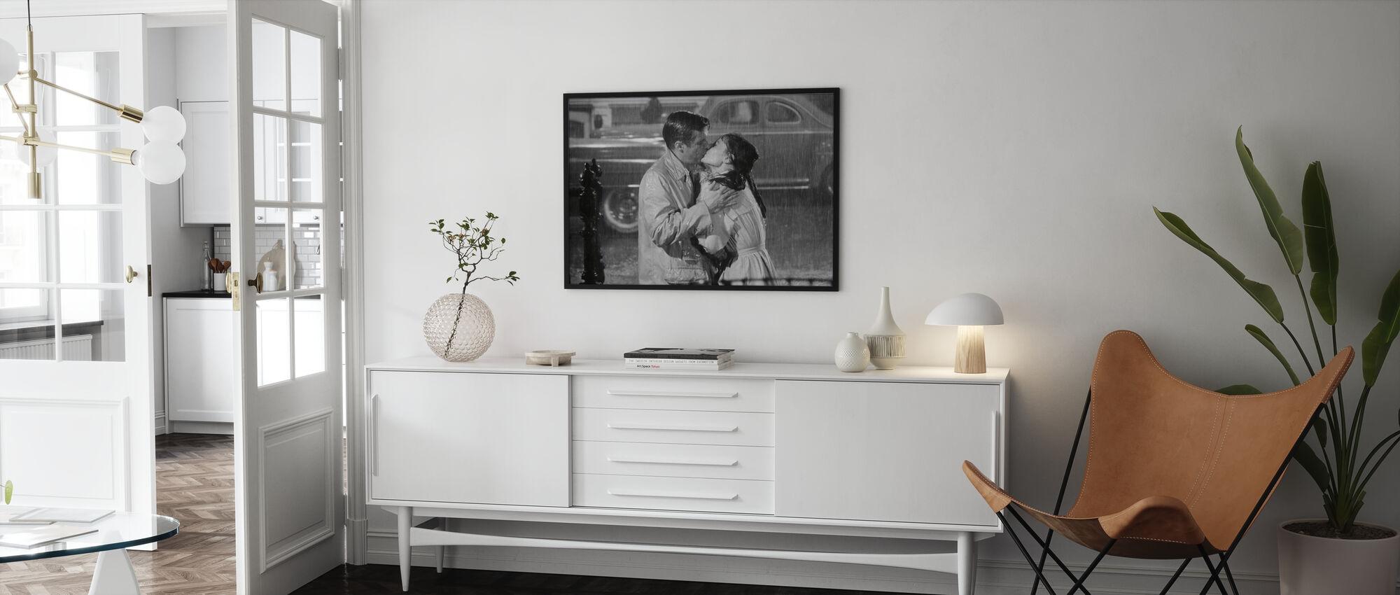 Audrey Hepburn and George Peppard in Breakfast at Tiffanys - Framed print - Living Room