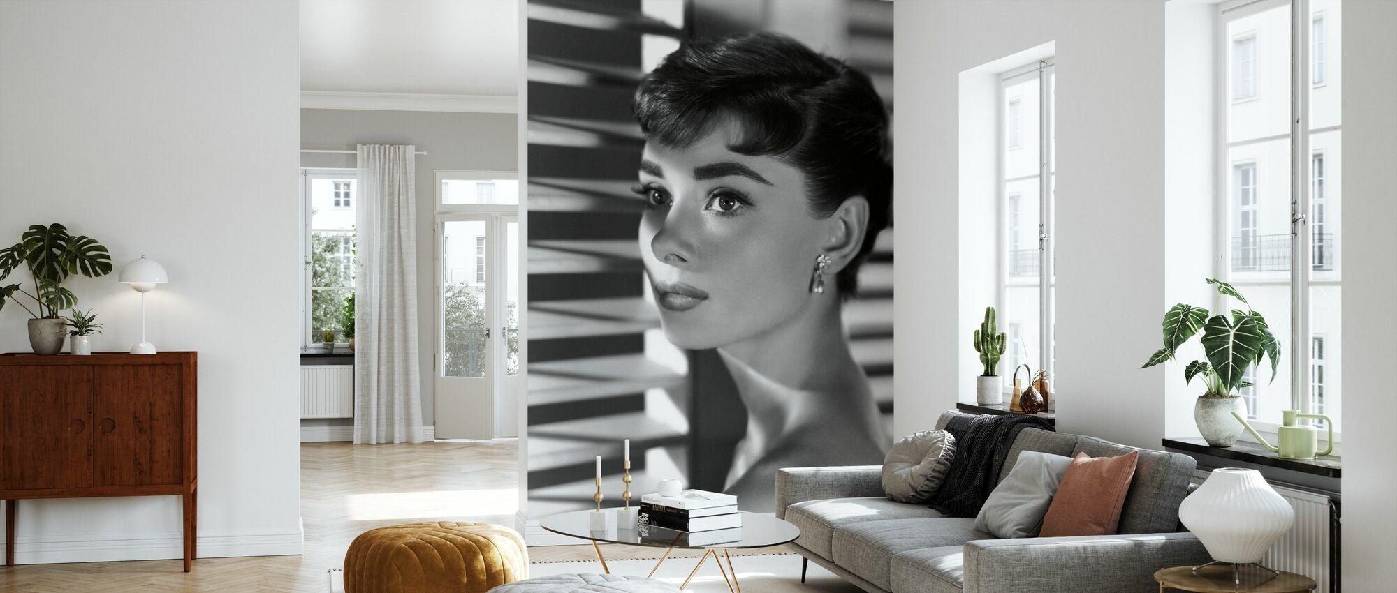 Audrey Hepburn i Sabrina - Tapet - Stue