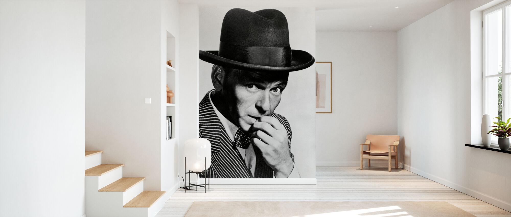 Frank Sinatra in Guys and Dolls - Wallpaper - Hallway