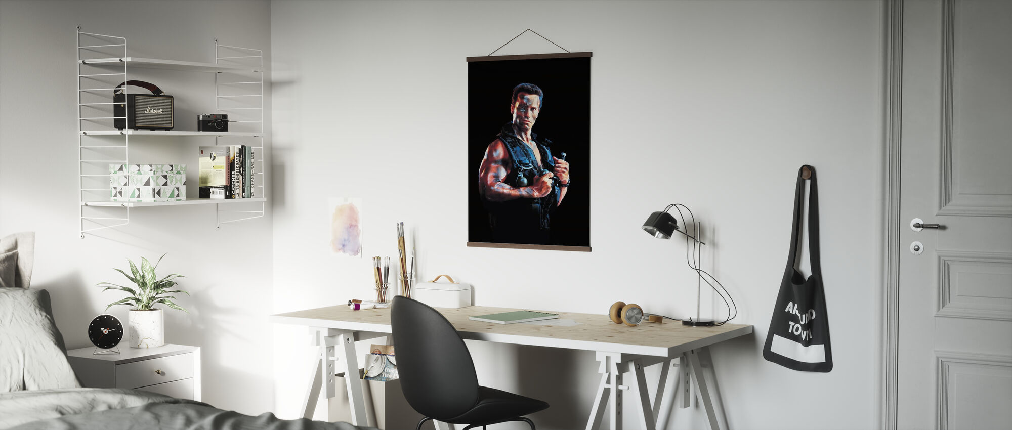 Arnold Schwarzenegger in Commando - Poster - Office