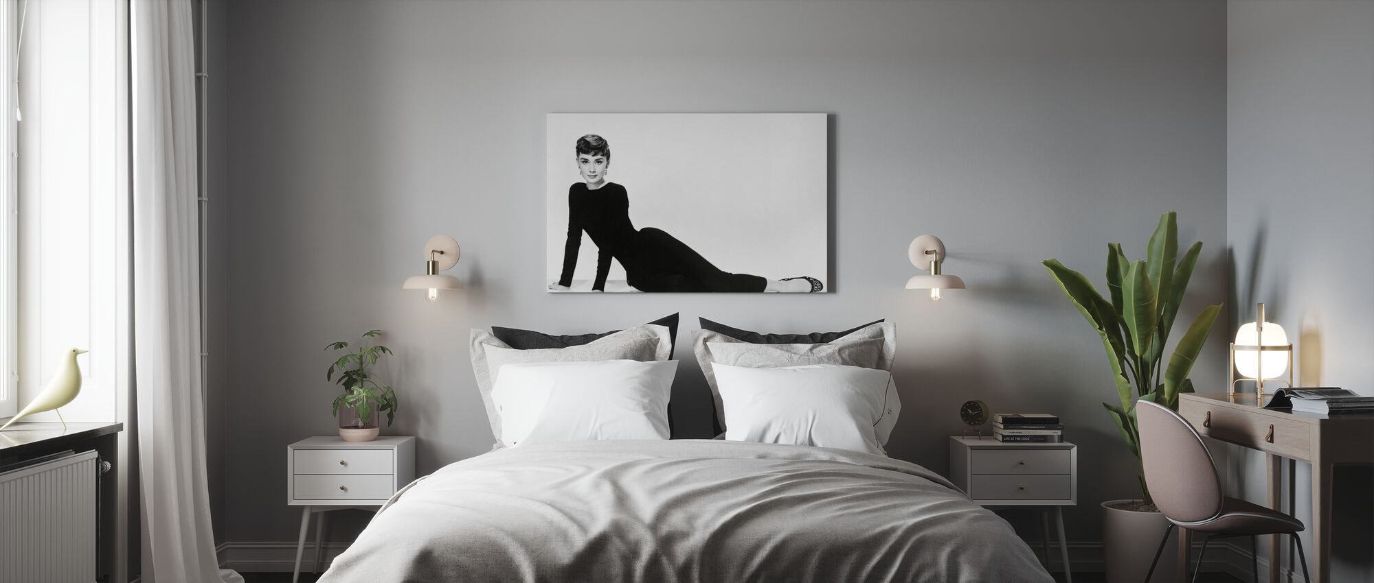 Audrey Hepburn in Sabrina - Canvas print - Bedroom