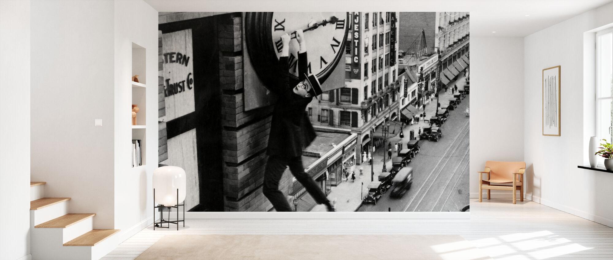 Harold Lloyd in Safety Last - Wallpaper - Hallway