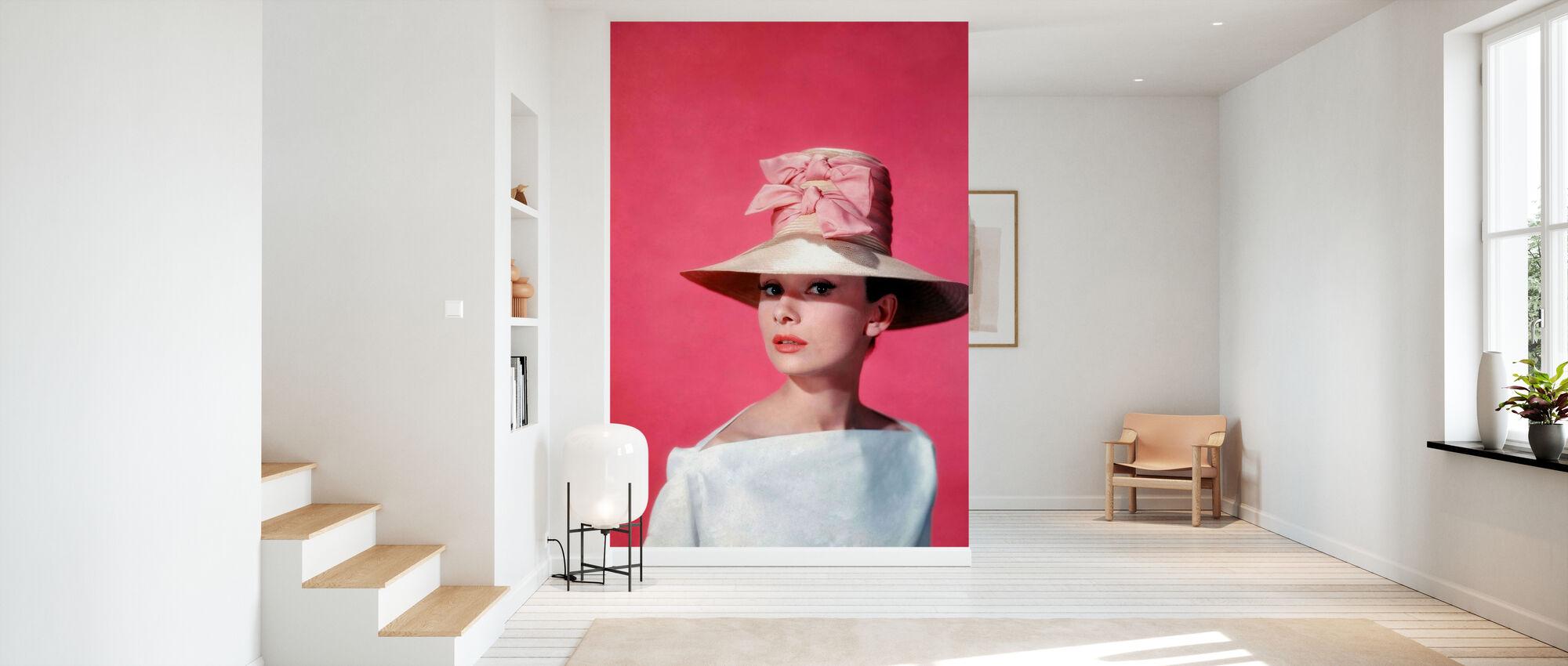 Audrey Hepburn in Funny Face - Wallpaper - Hallway