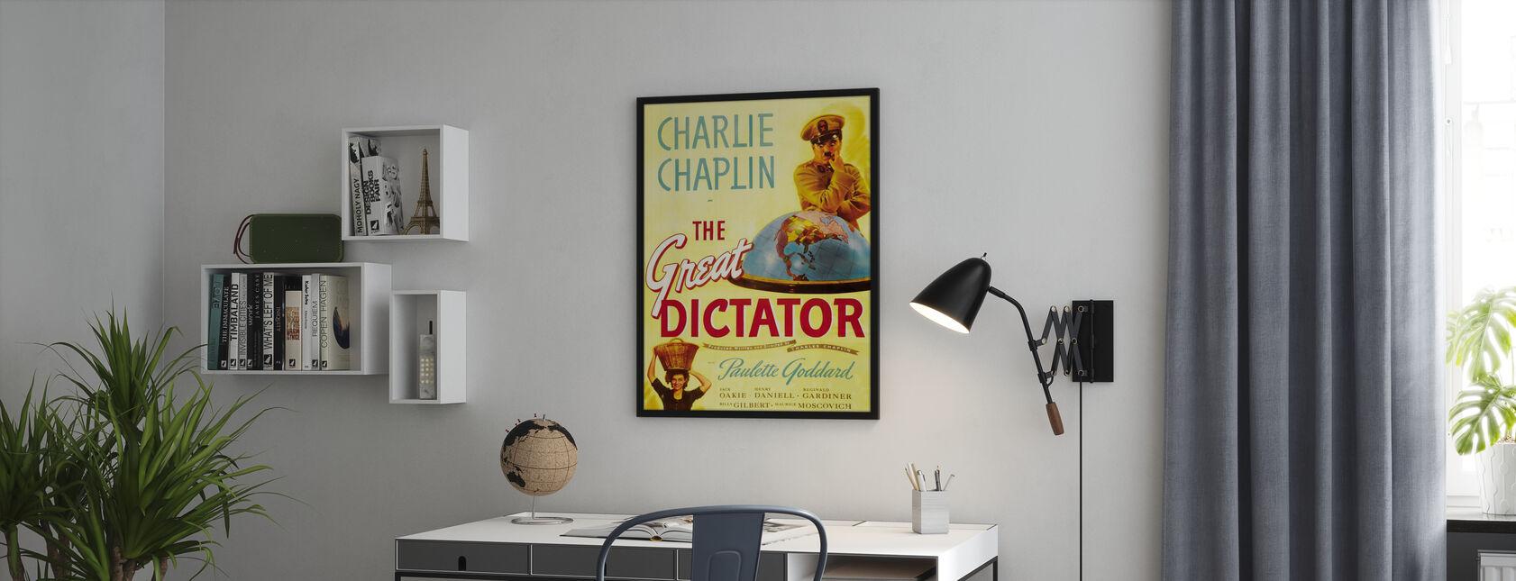 Charlie Chaplin dans le grand dictateur - Affiche - Bureau