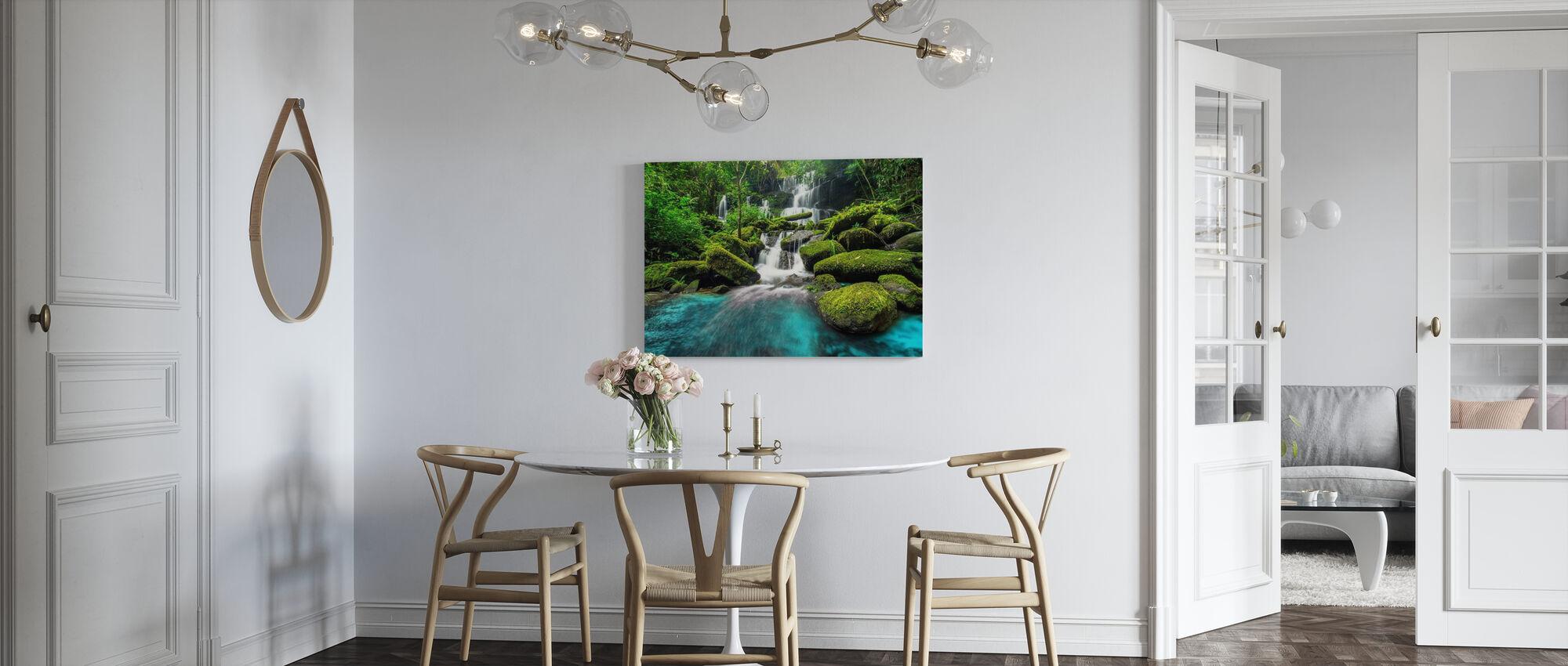 Grön skog vattenfall - Canvastavla - Kök