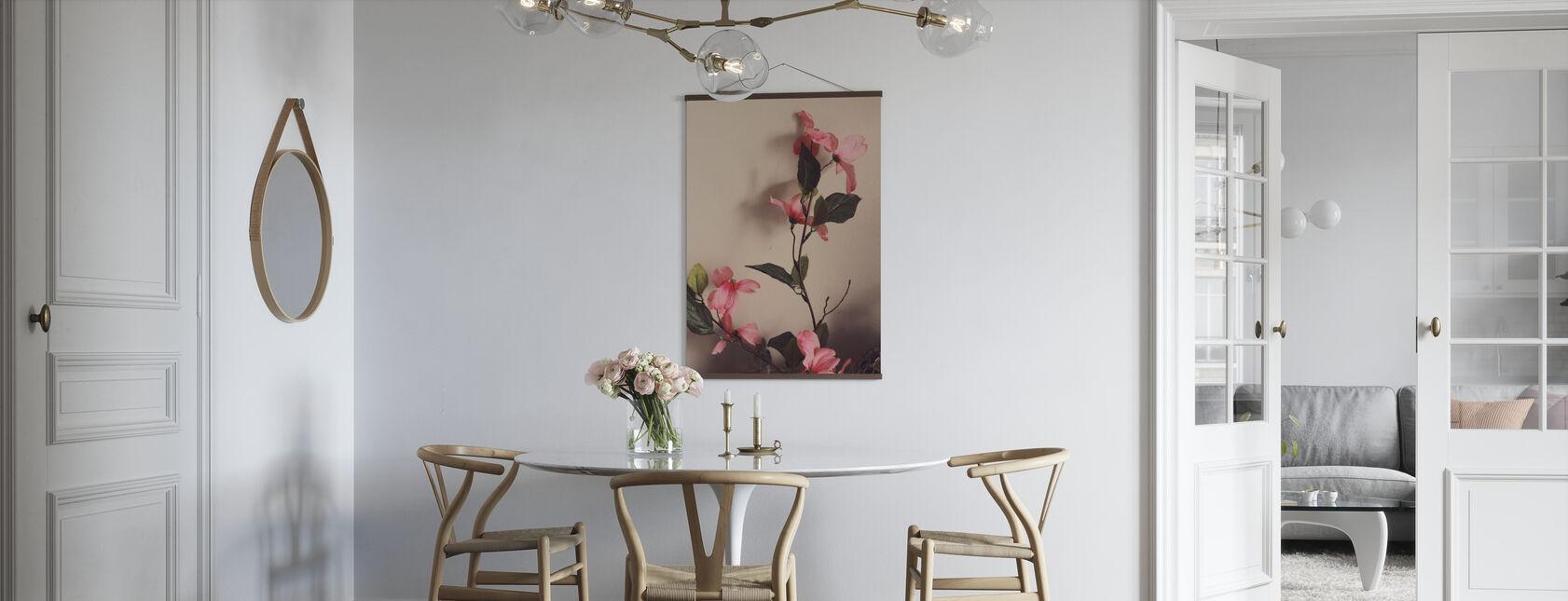Blütenblätter in der Abenddämmerung - Poster - Küchen