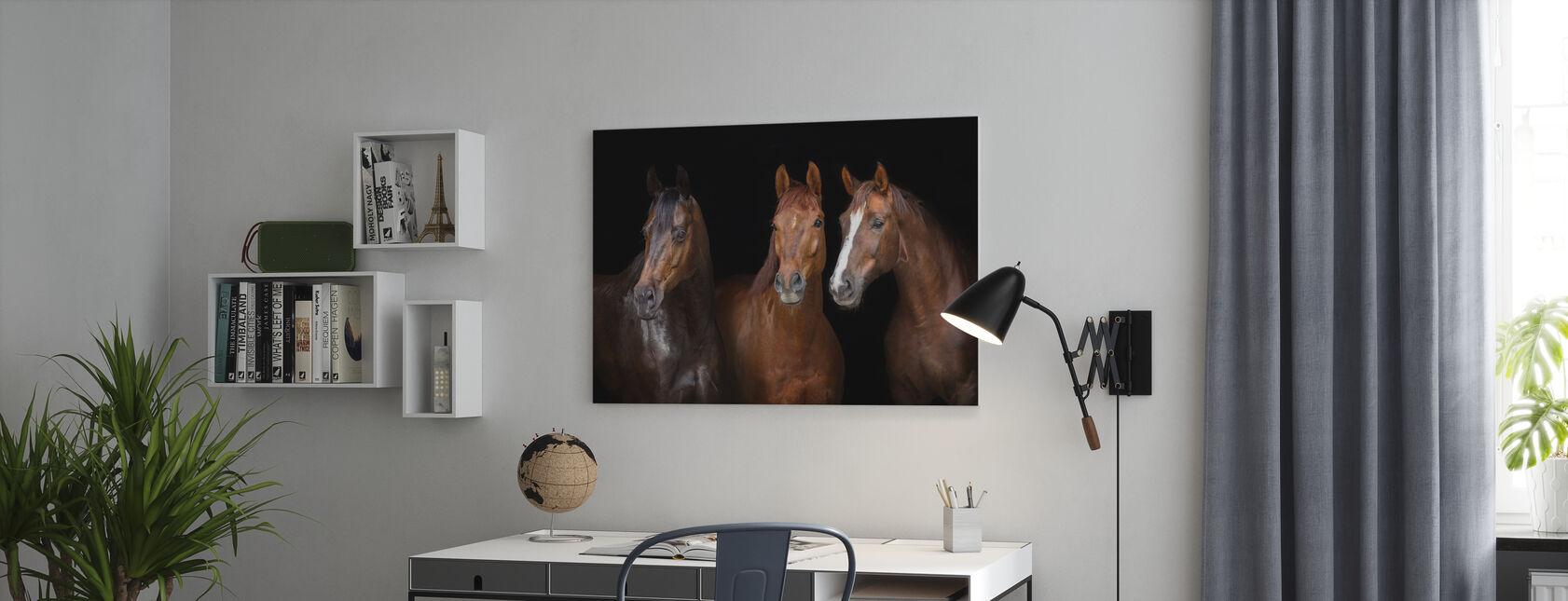Paarden op Zwart - Canvas print - Kantoor