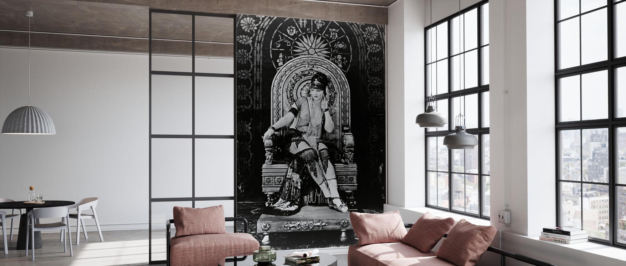 Queen - Betty Blythe - Wallpaper - Office