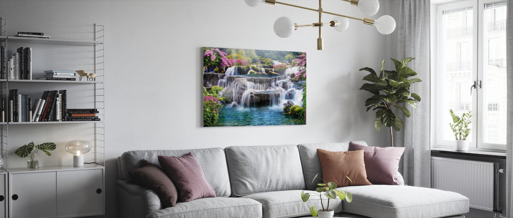 Tropiskt vattenfall - Canvastavla - Vardagsrum