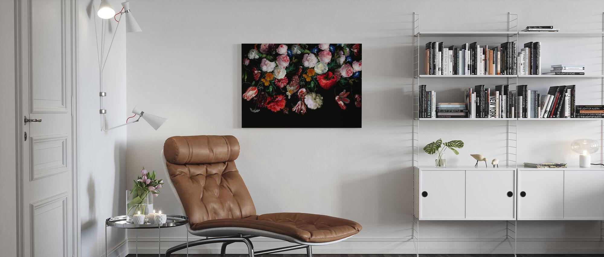 Kleurrijke bloemen op zwarte achtergrond - Canvas print - Woonkamer