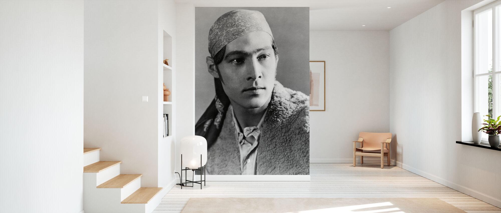 Blood and Sand - Rudolph Valentino - Wallpaper - Hallway