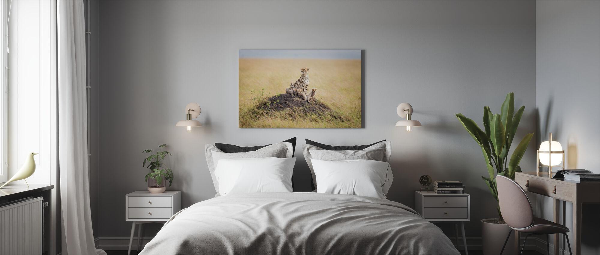 Regal Protector - Canvas print - Bedroom