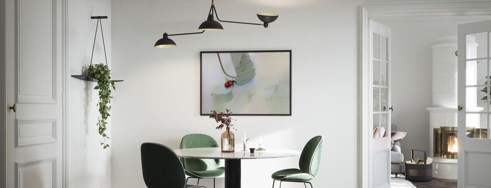 Lieveheersbeestje op Blauw Groene Hortensia - Ingelijste print - Keuken