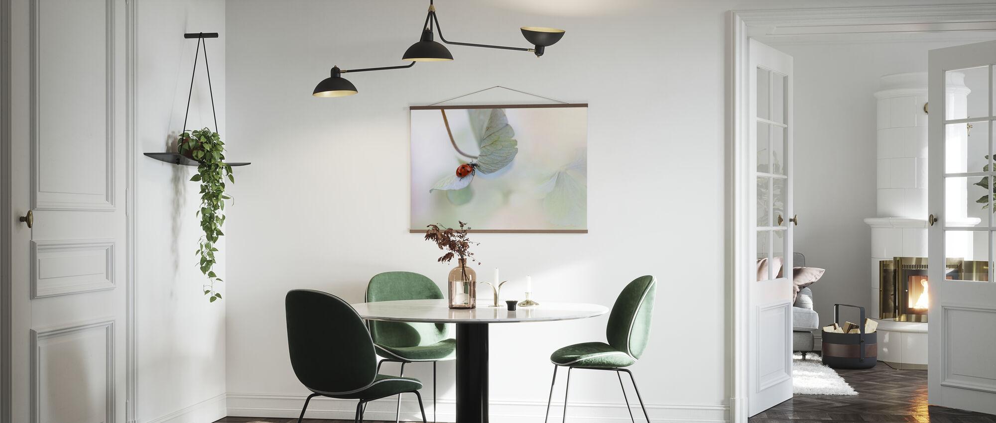 Leppäkerttu sininen vihreä hortensia - Juliste - Keittiö