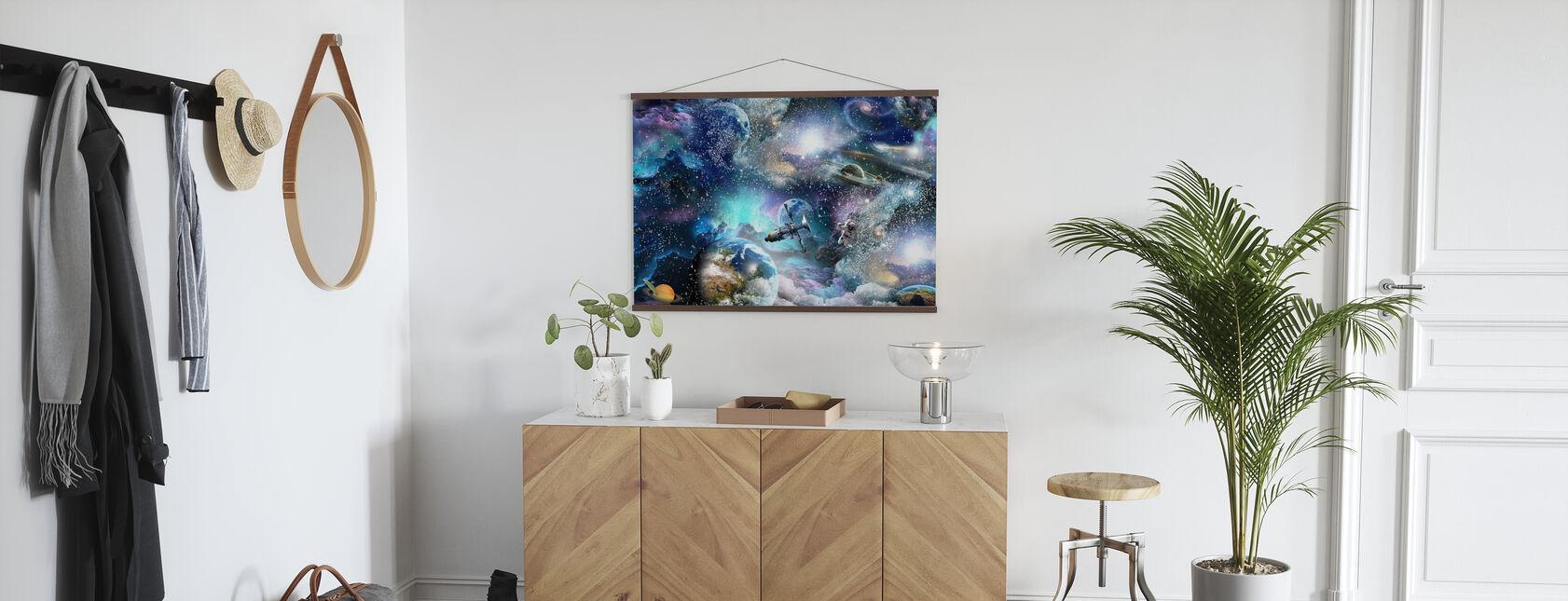 Space Essee - Juliste - Aula