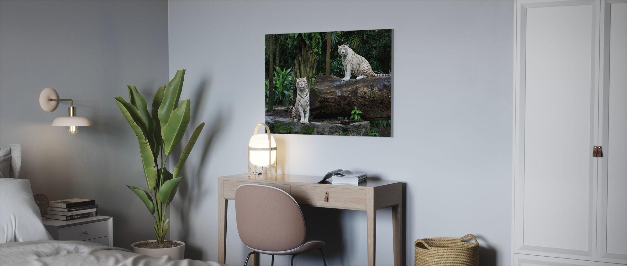 Twee witte Bengaalse Tijgers - Canvas print - Kantoor