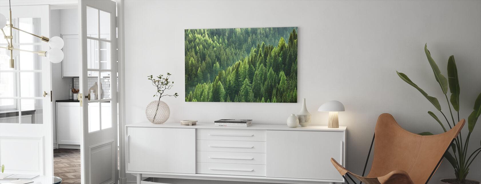 Gröna träd i skogen - Canvastavla - Vardagsrum