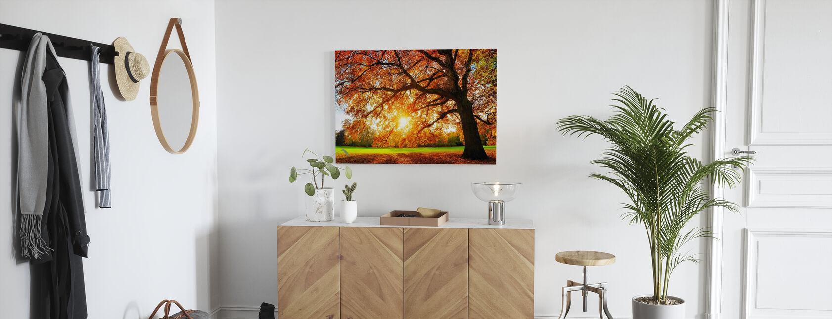Majestic Oak Tree - Canvas print - Hallway