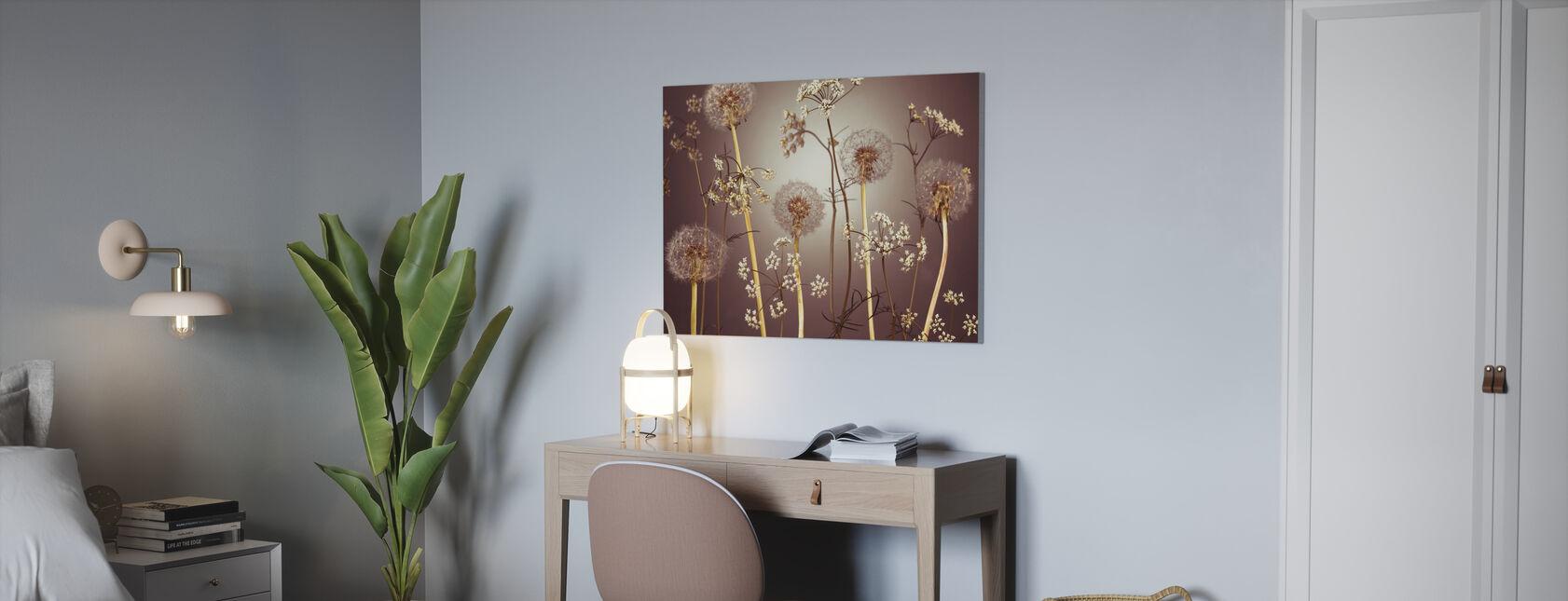 Weide Bloemen - Hazel - Canvas print - Kantoor