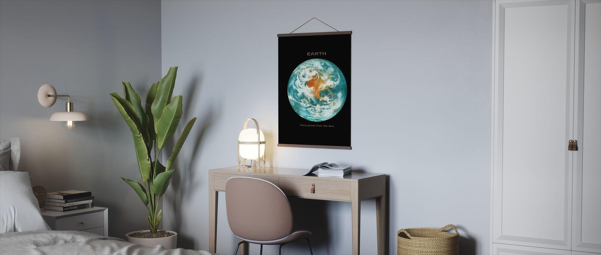 Aurinkokunta - maa - Juliste - Toimisto