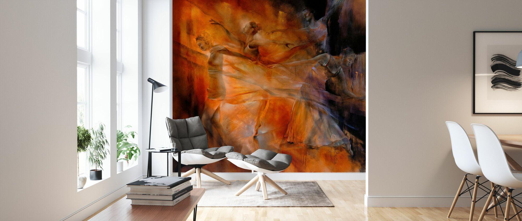 Balance Four Dancers - Wallpaper - Living Room