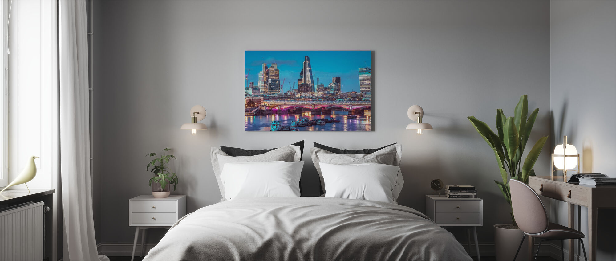 London Dawn - Canvas print - Bedroom