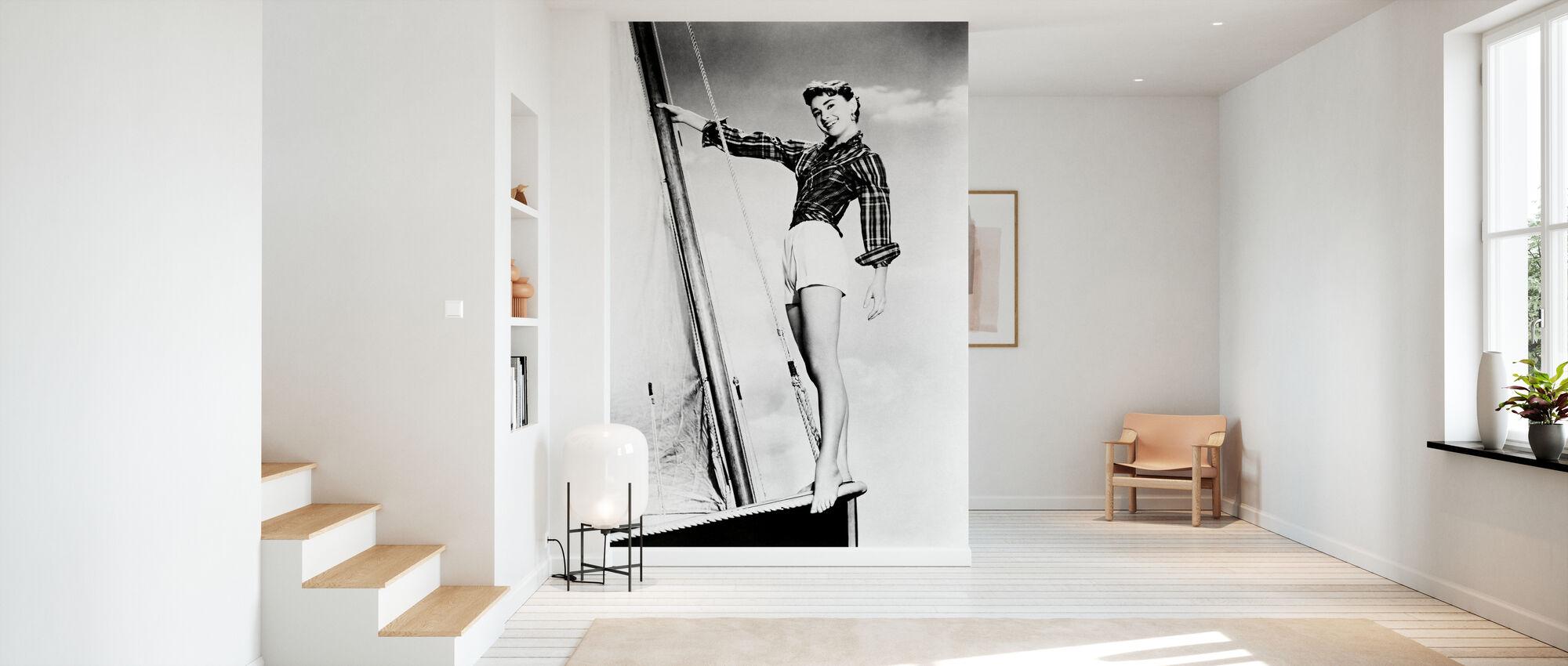 Sabrina - Audrey Hepburn - Tapet - Hall