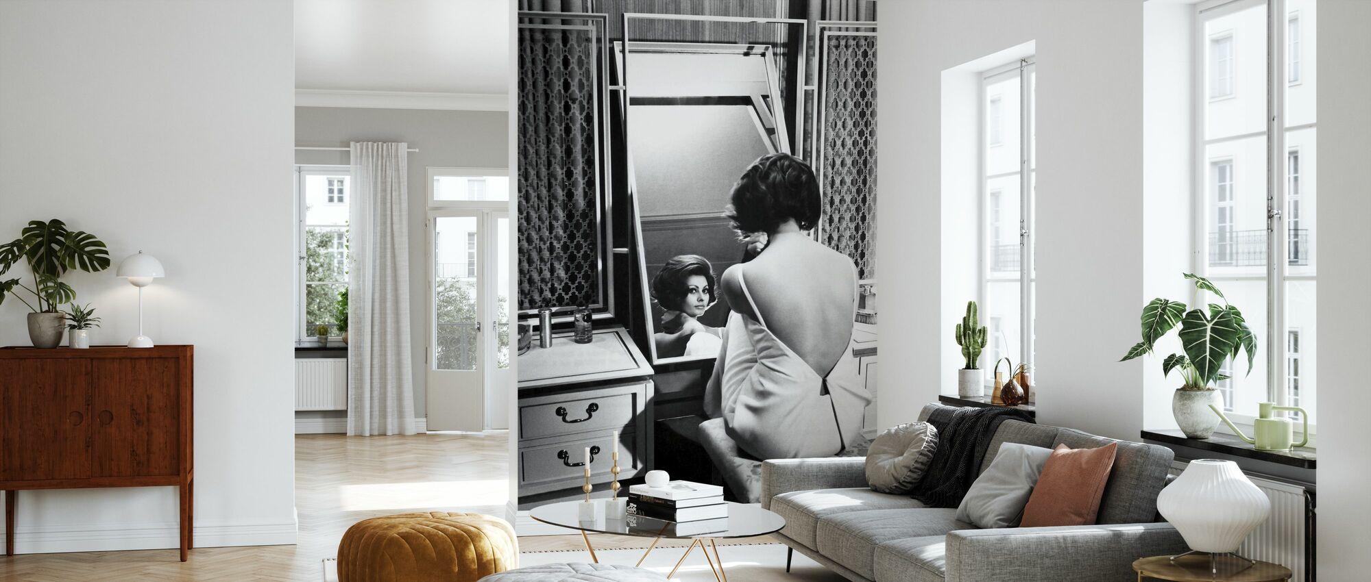 Grevinnan från Hongkong - Sophia Loren - Tapet - Vardagsrum