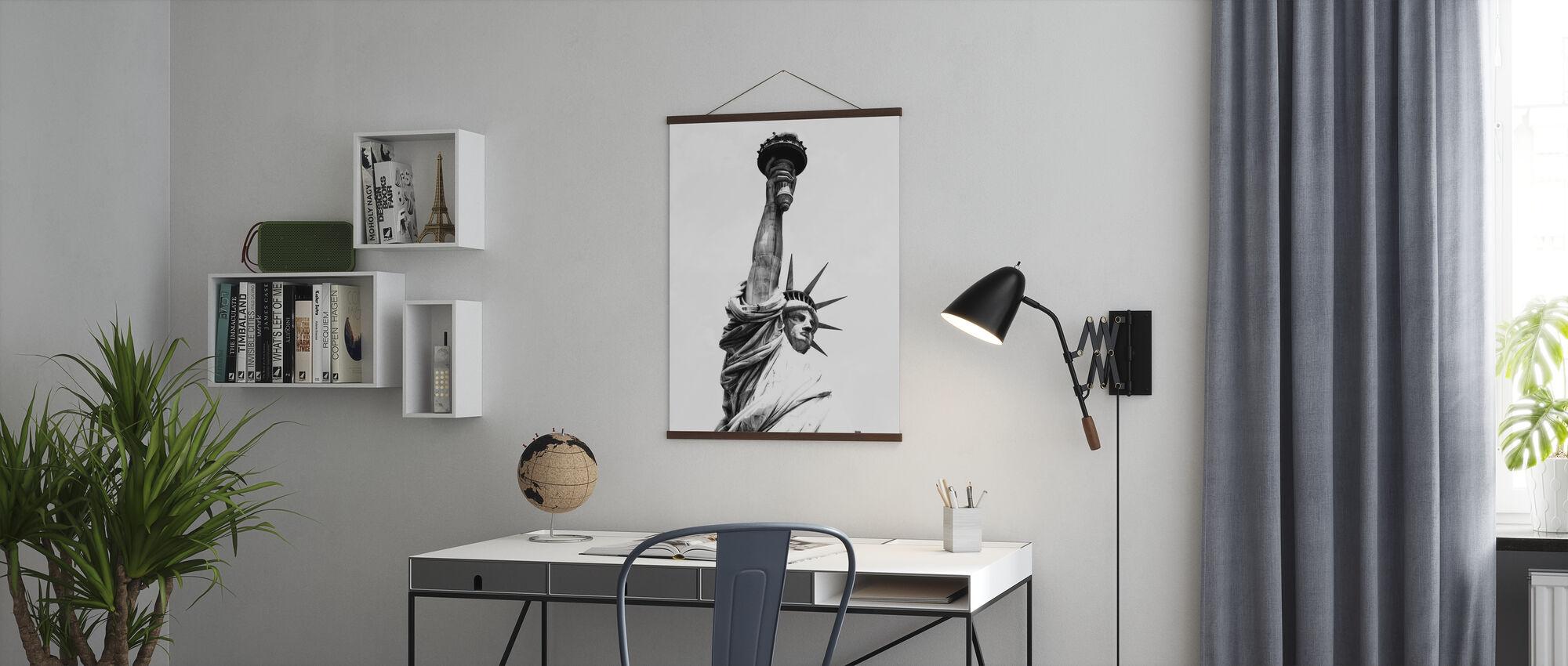 Musta Manhattan - Lady Liberty - Juliste - Toimisto