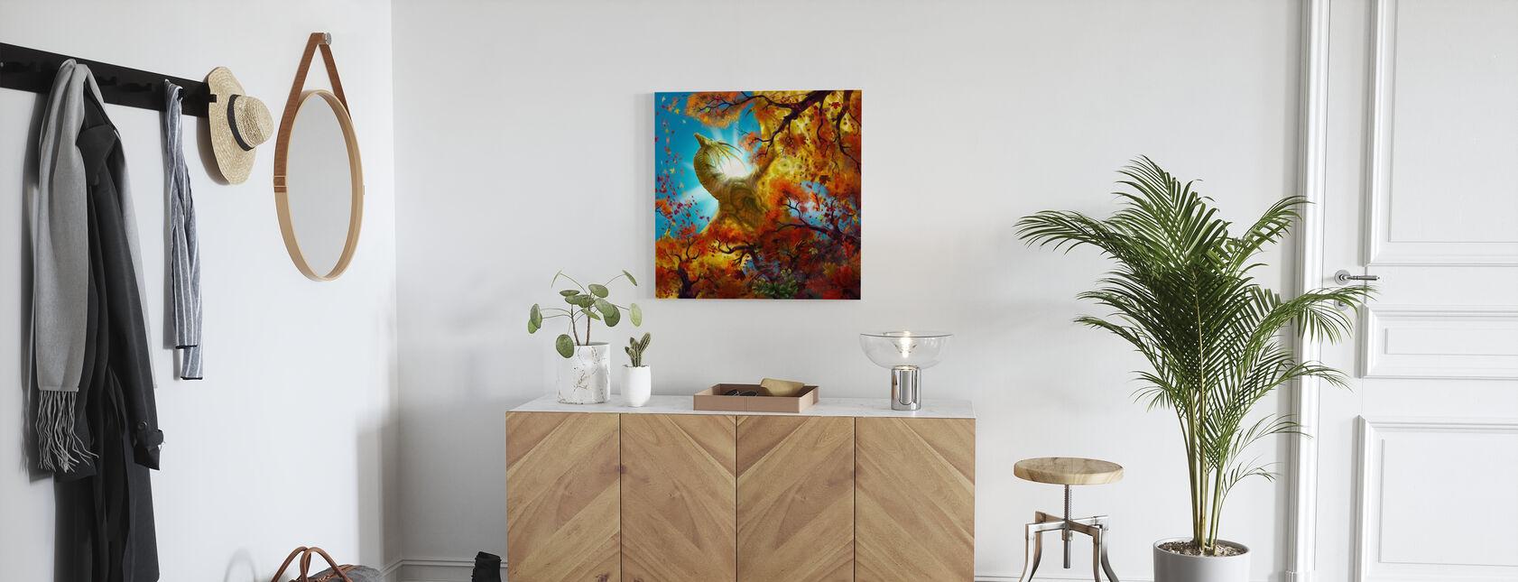 Keltainen lohikäärme Flying yli syksyn - Canvastaulu - Aula