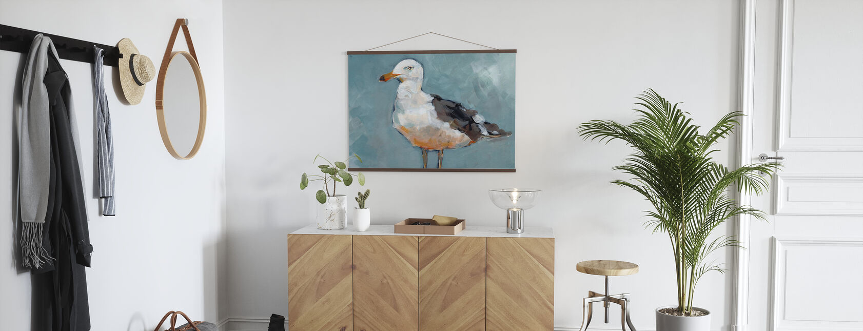 Seagull Stance - Poster - Hallway