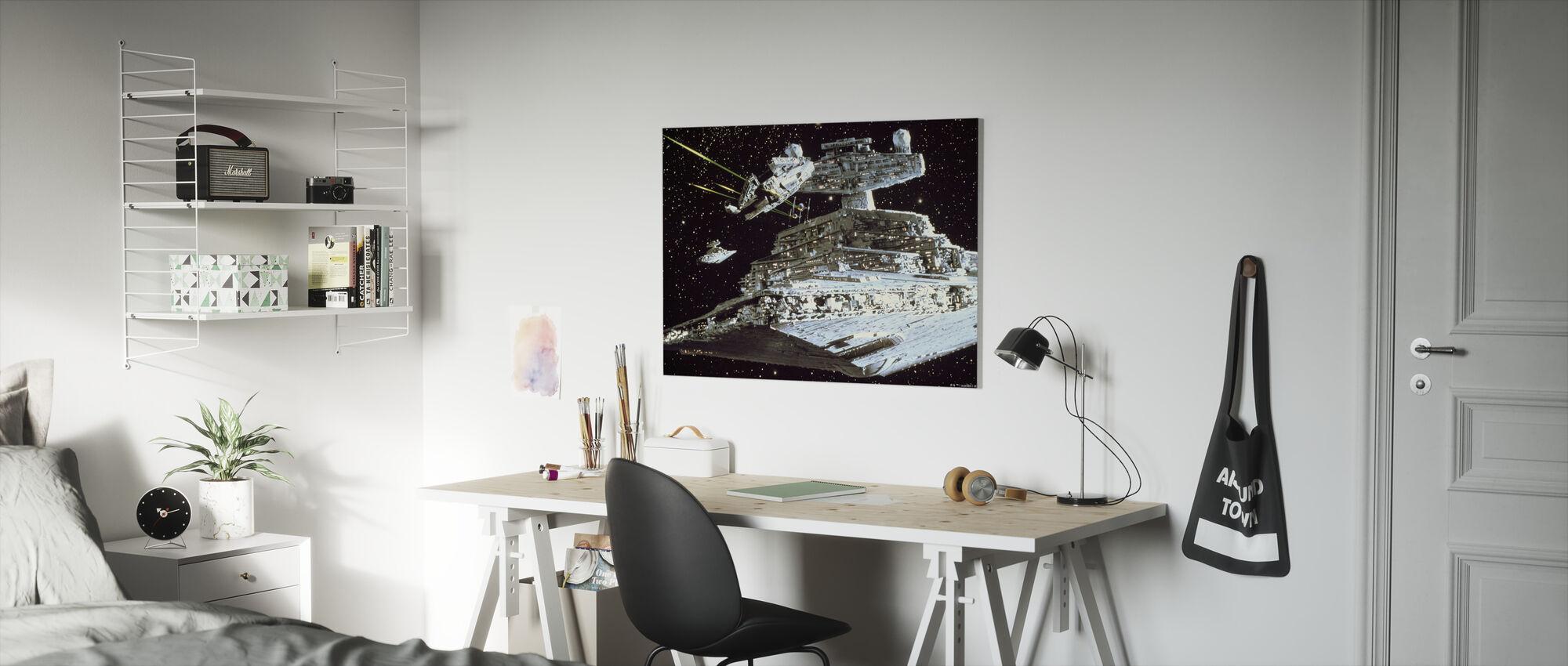 Star Wars - Millennium Falcon angreb - Billede på lærred - Børneværelse