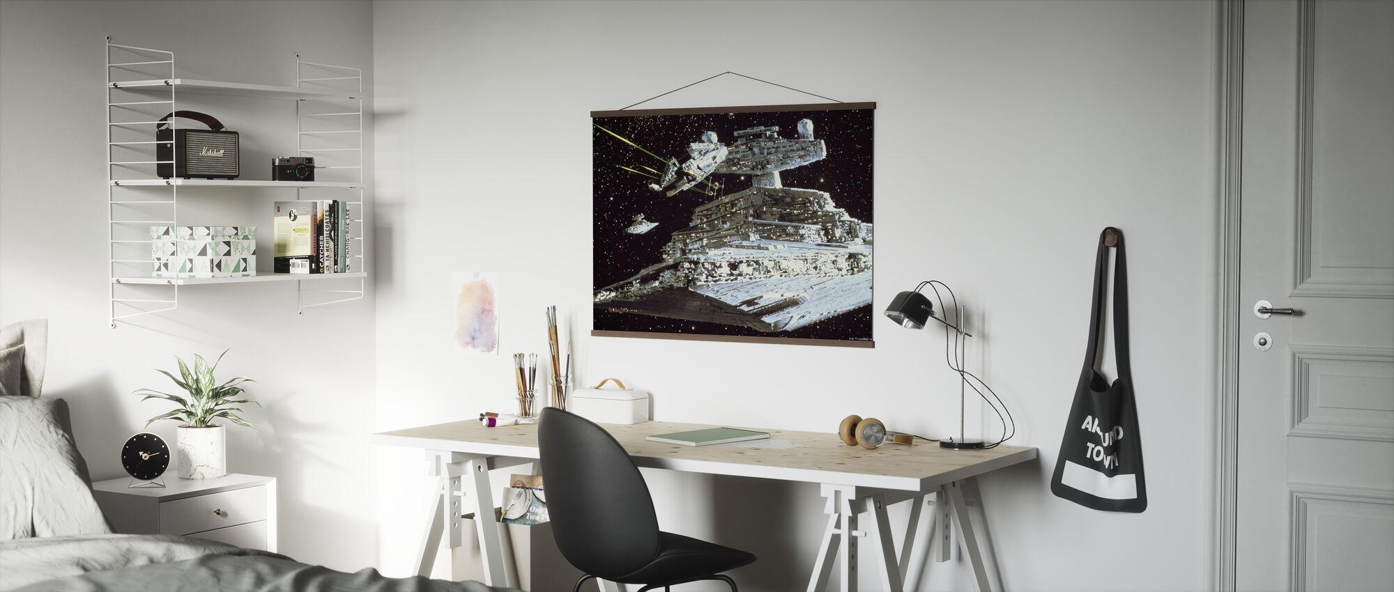 Star Wars - Millennium Falcon Attack - Poster - Kontor