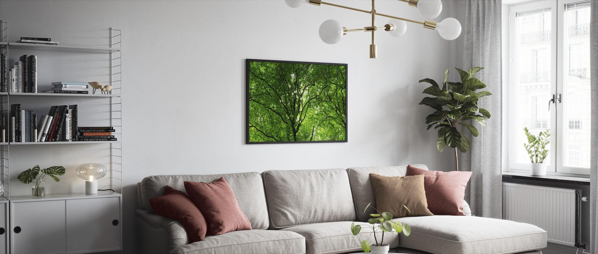 Vihreä metsä keväällä - Kehystetty kuva - Olohuone