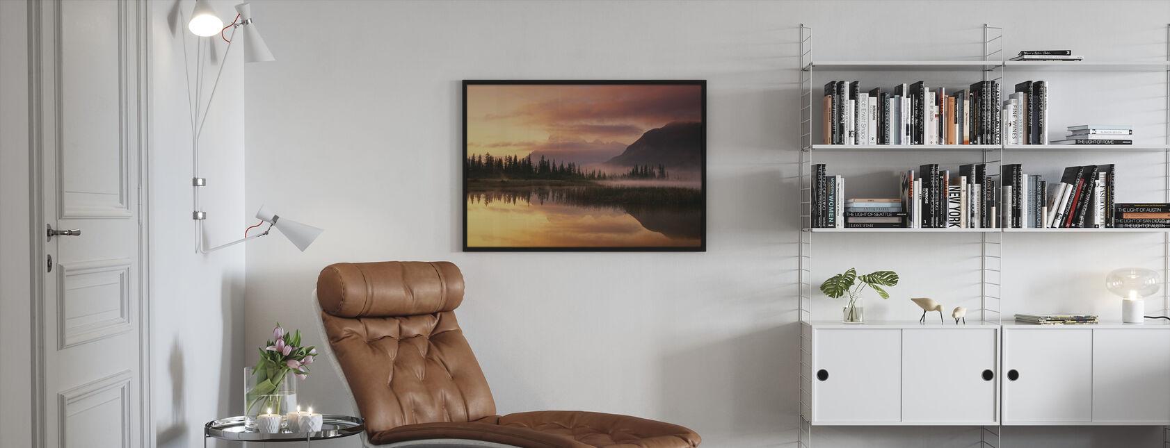 Oranje Reflectie - Ingelijste print - Woonkamer
