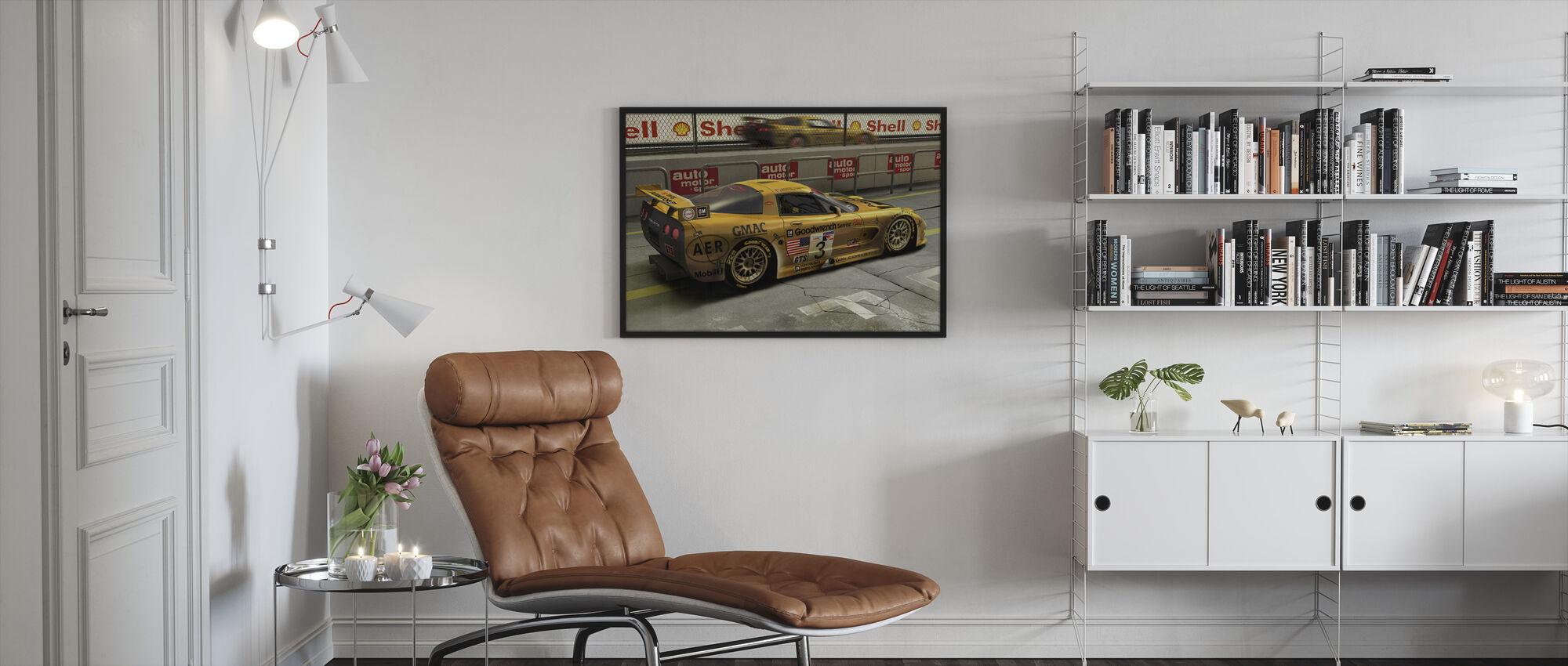 Auto in Pit Lane - Ingelijste print - Woonkamer