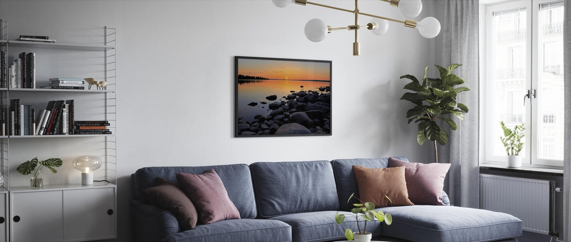 Pohjois-Ruotsi Keskiyön aurinko - Kehystetty kuva - Olohuone