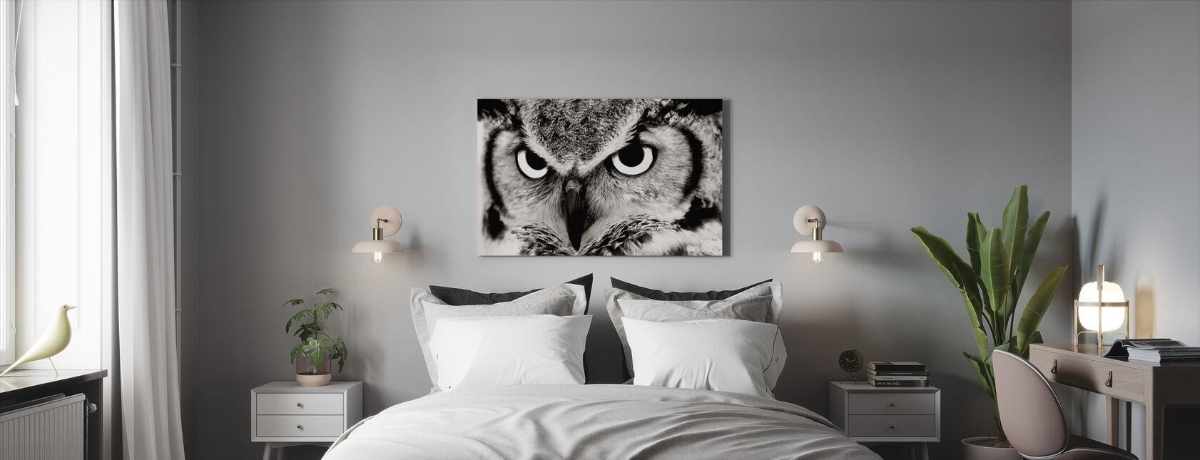 Suuri Sarvipäinen pöllö - Canvastaulu - Makuuhuone