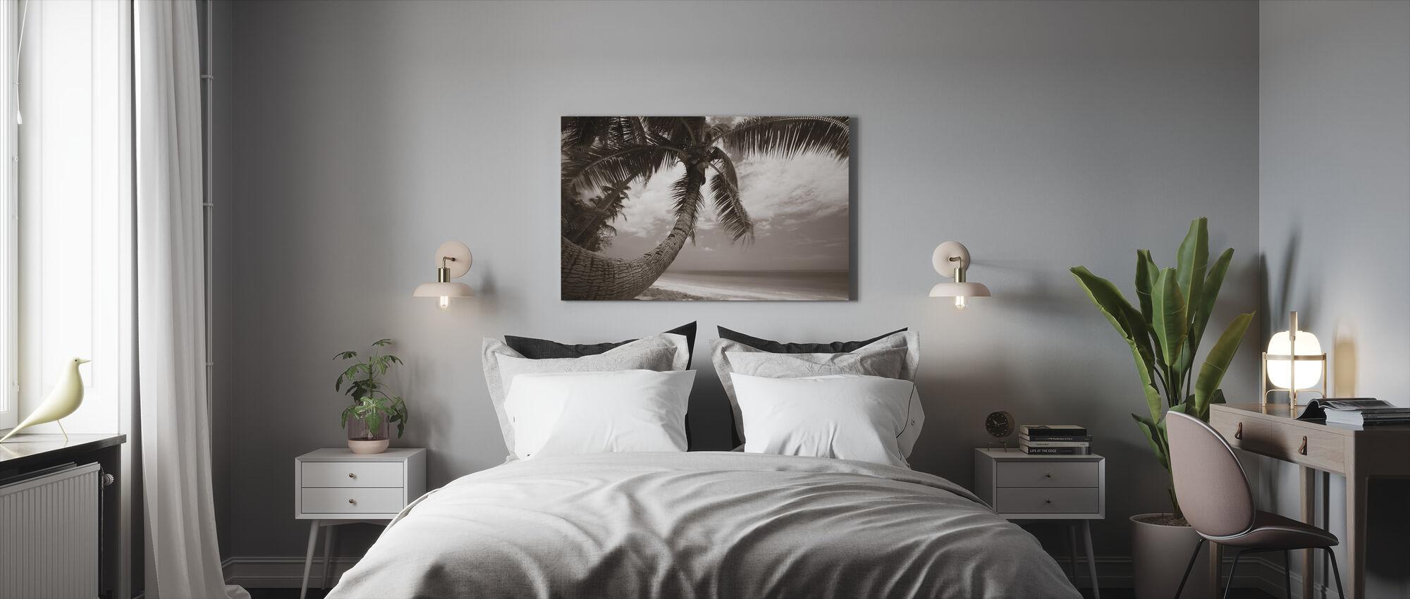 Round Shape Palm - Sepia - Canvas print - Bedroom