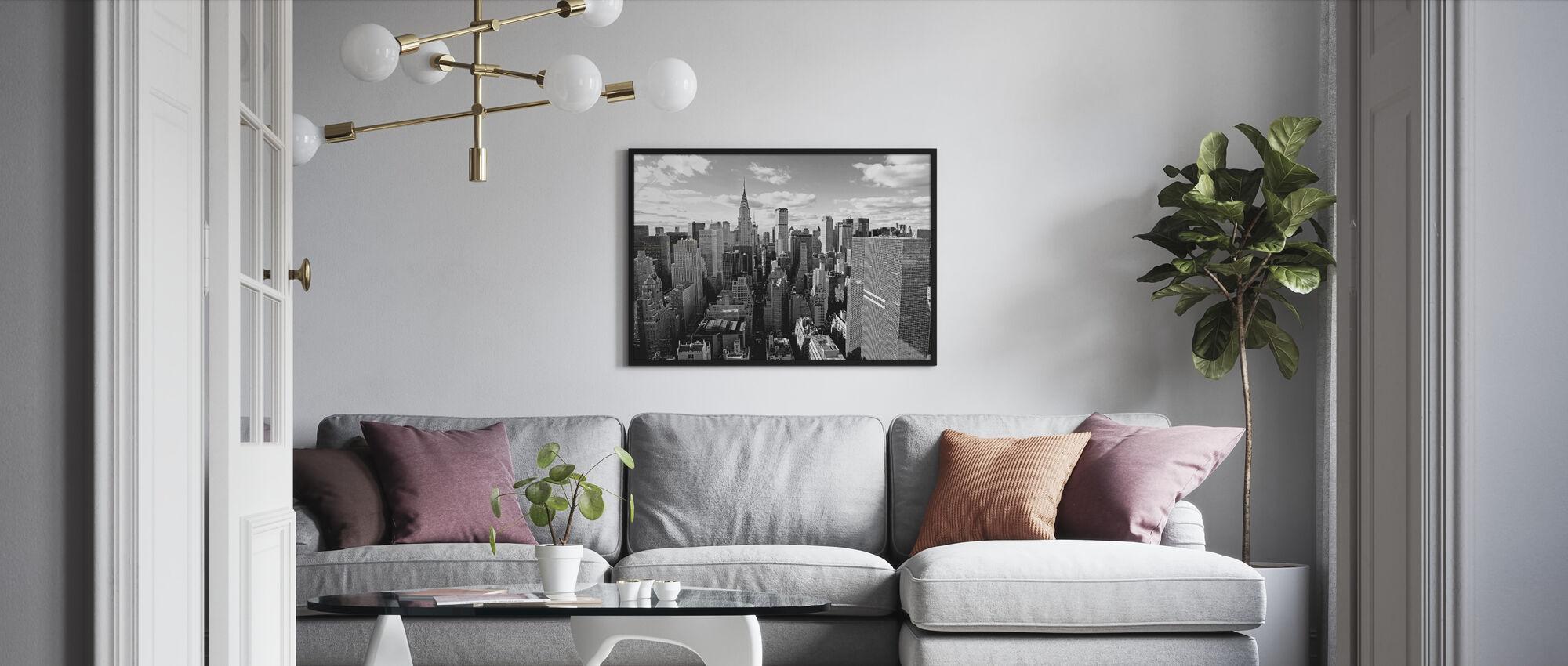 Manhattanin yläpuolella - Kehystetty kuva - Olohuone