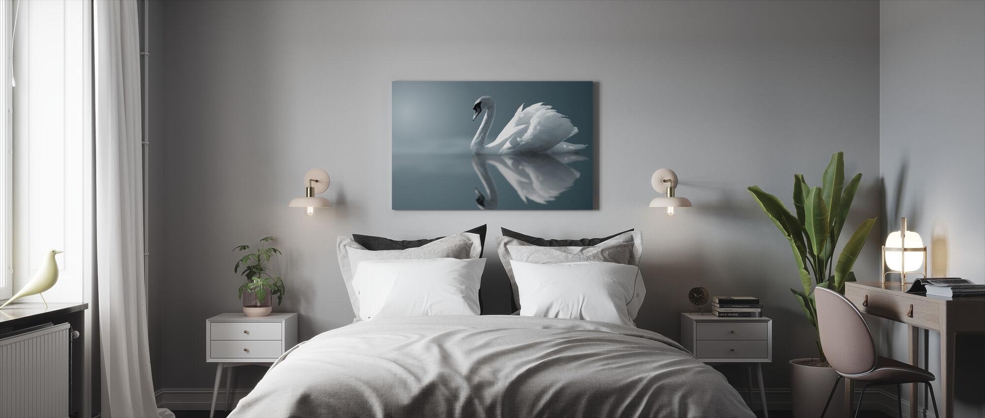 Joutsenen heijastus - Canvastaulu - Makuuhuone