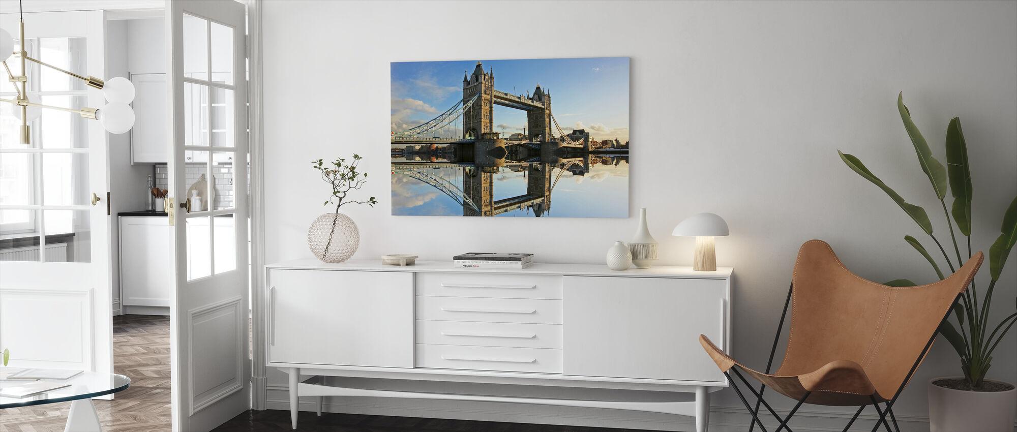 Tower Bridge ved solnedgang - Lerretsbilde - Stue
