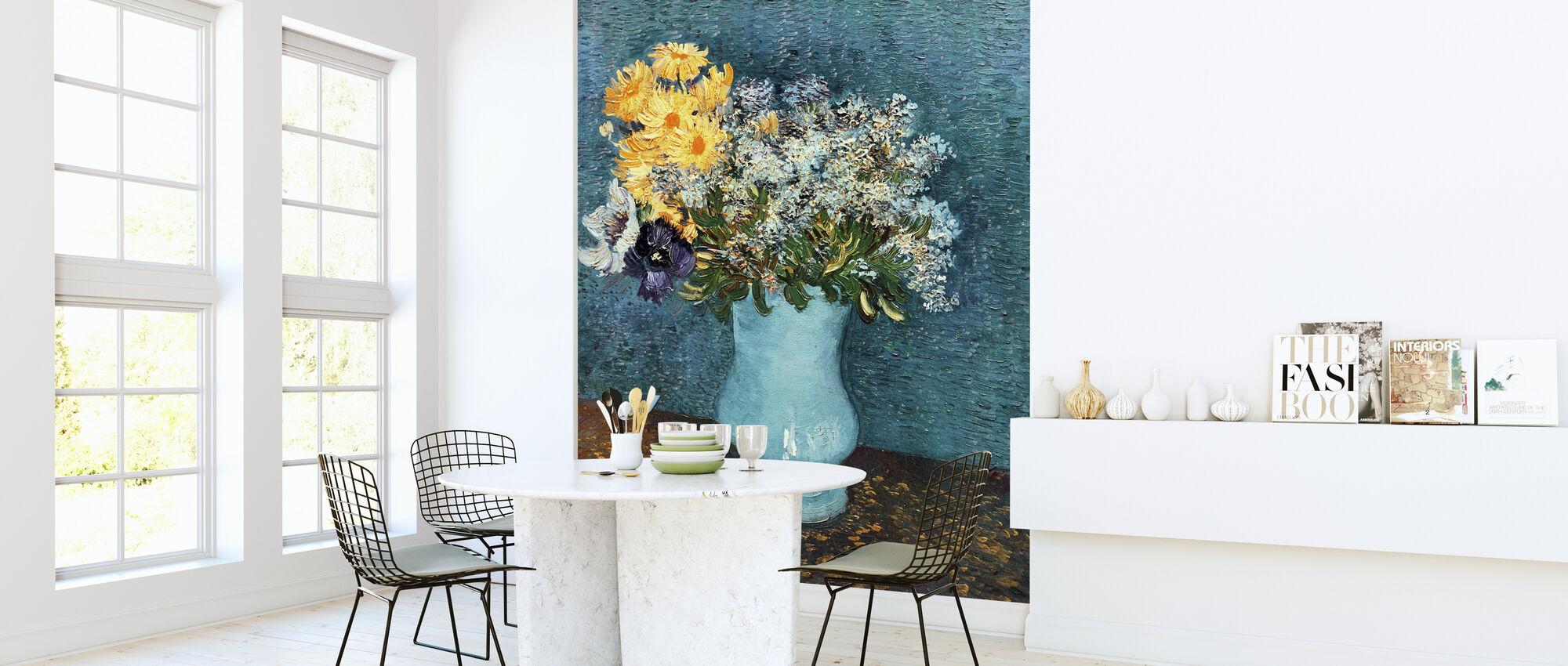 Vaas met Lilacs, Madeliefjes en Anemonen, Vincent van Gogh - Behang - Keuken