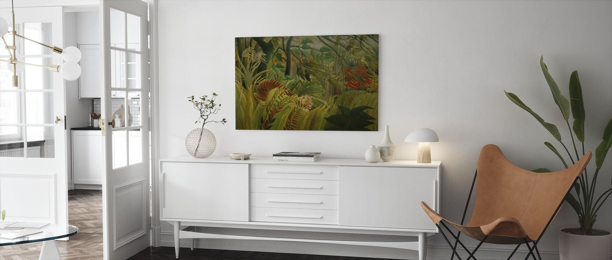 Tijger in een tropische storm, Henri Rousseau - Canvas print - Woonkamer